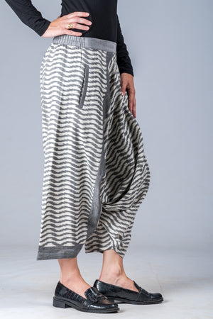 White and Grey Ikat Waves - Turkish Mid Length Pant