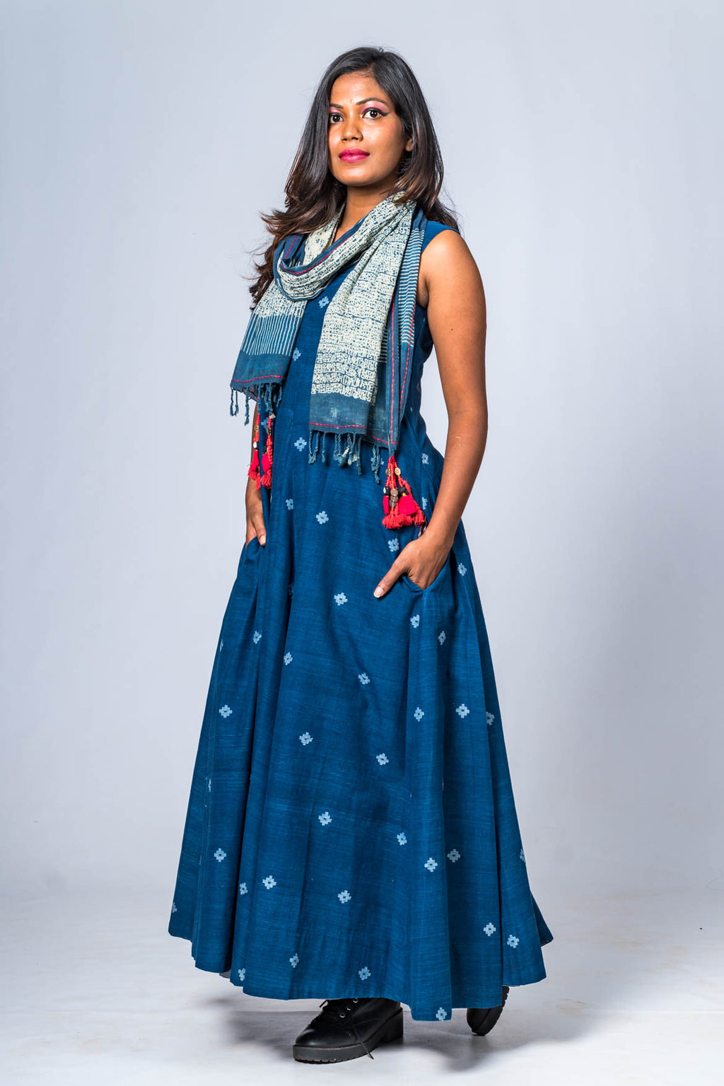 Hand Spun Hand Woven Indigo Jamdani Dress Diya Set