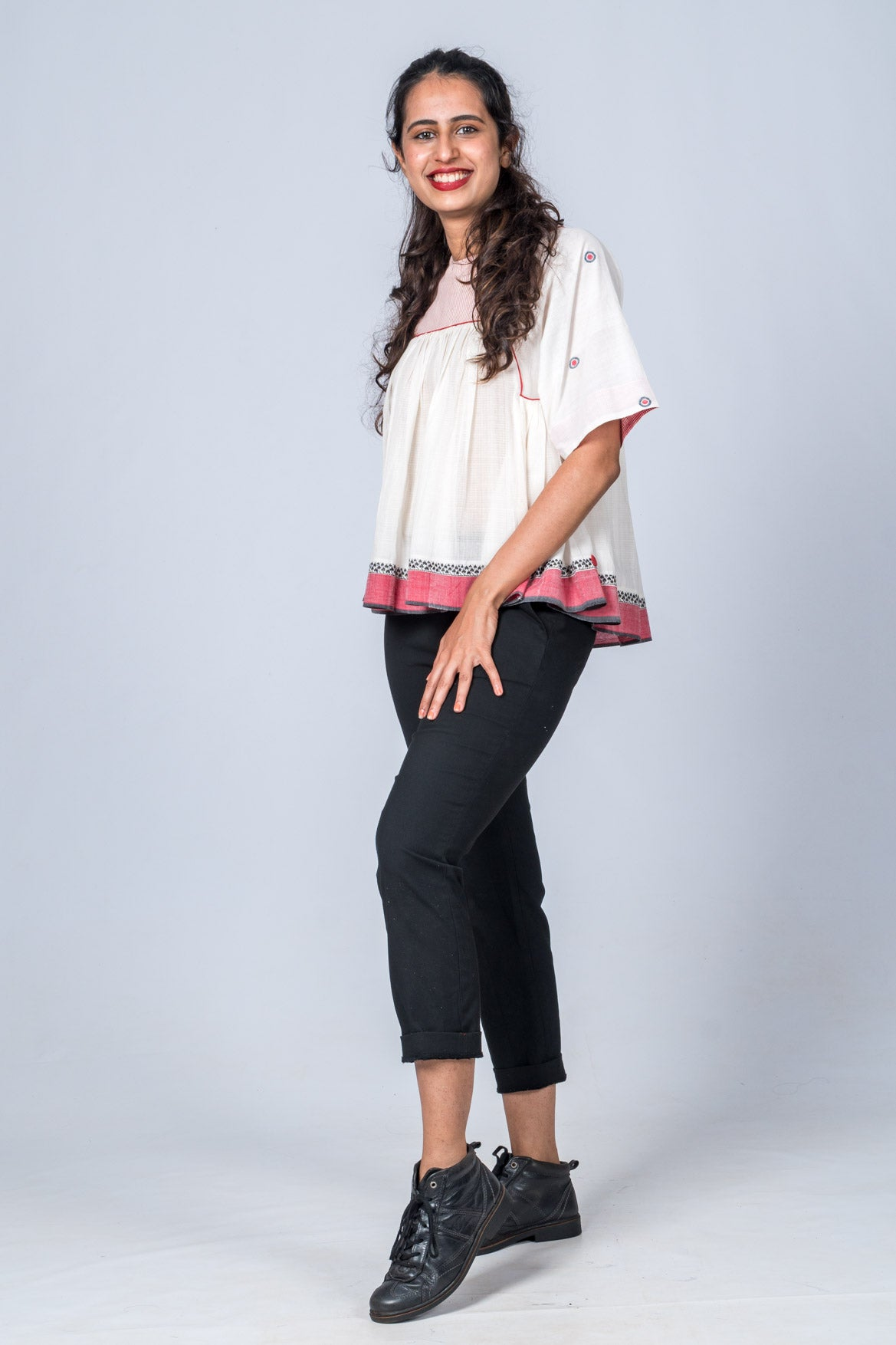 Rachana - Off White Red Top
