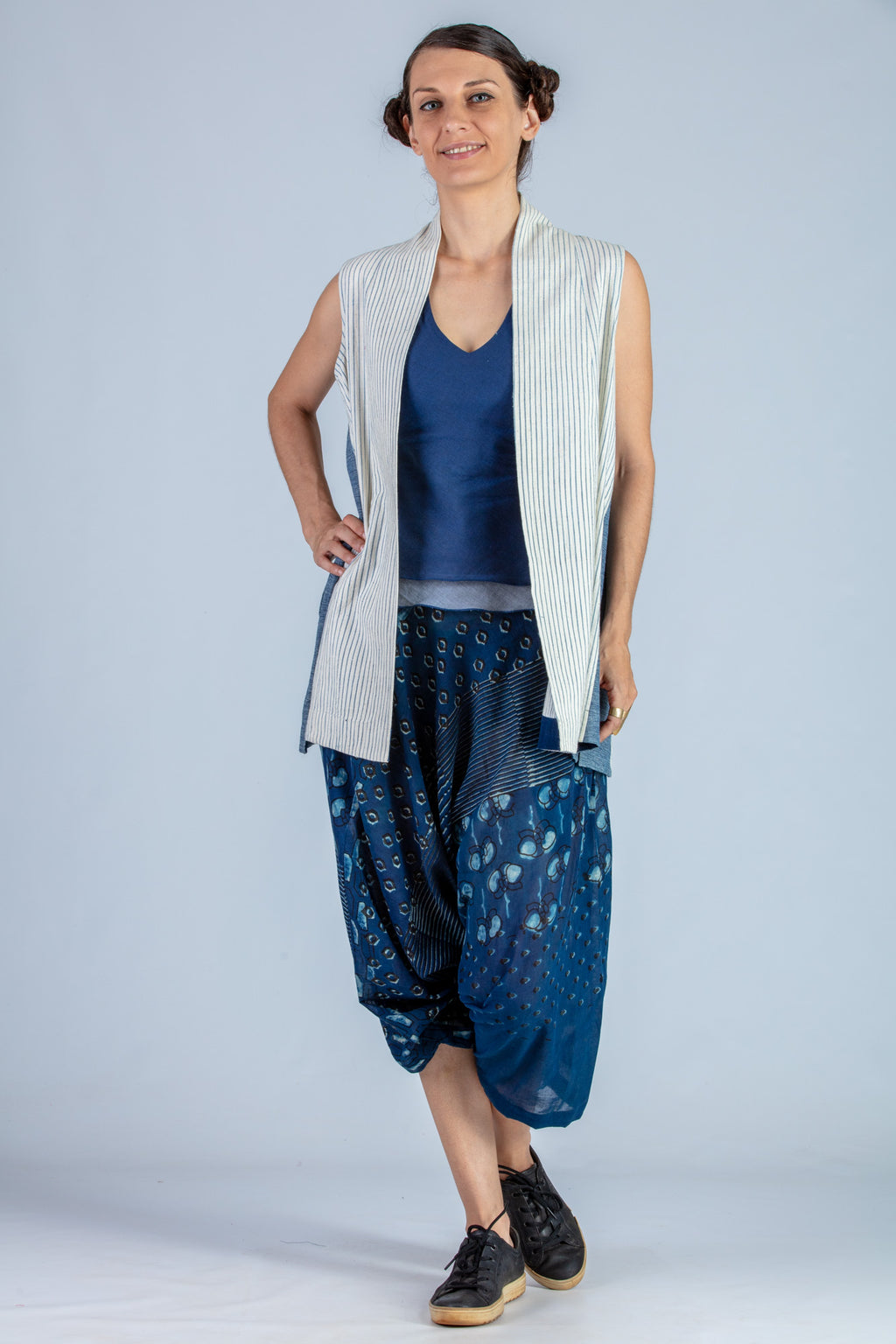 White and blue Organic cotton Jacket - NIYATI