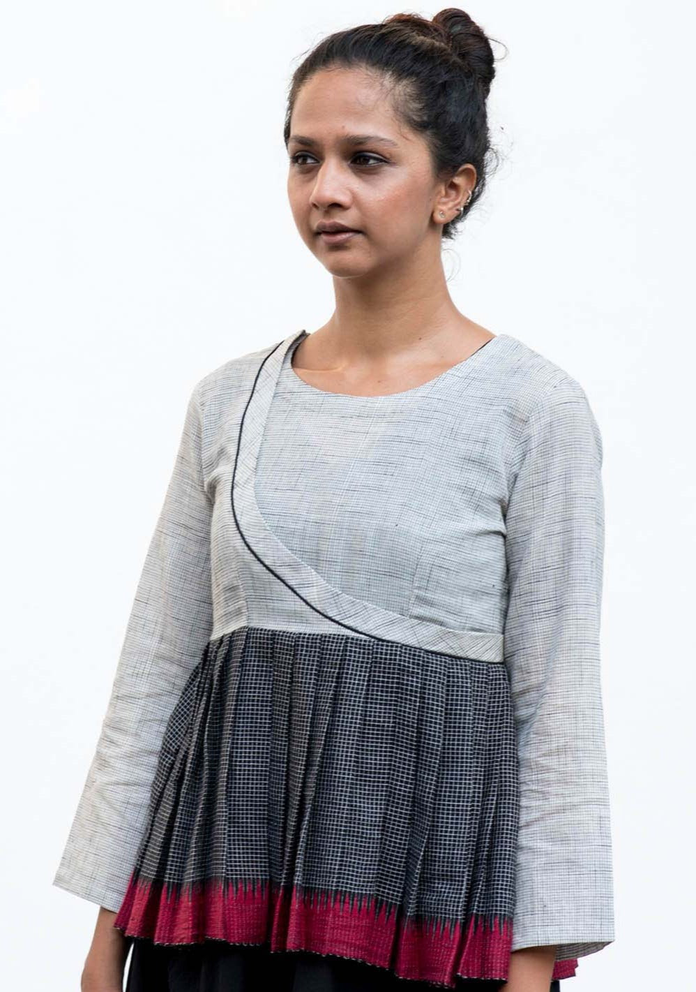 Rera-Handwoven temple border top