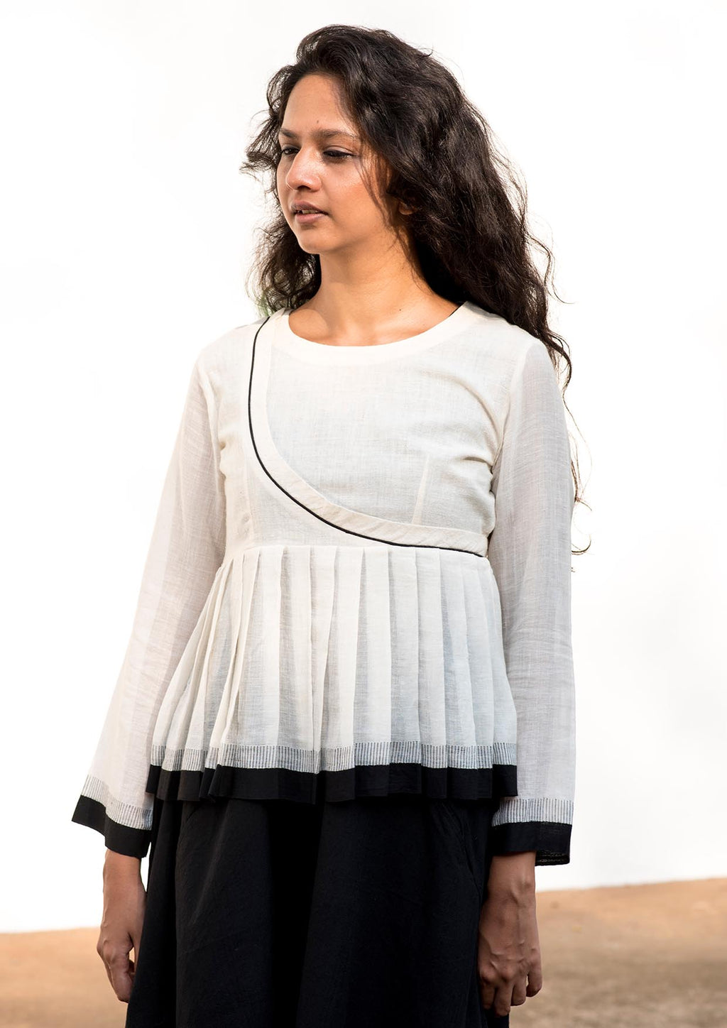 Rera-Handwoven Off White  Temple Border Top