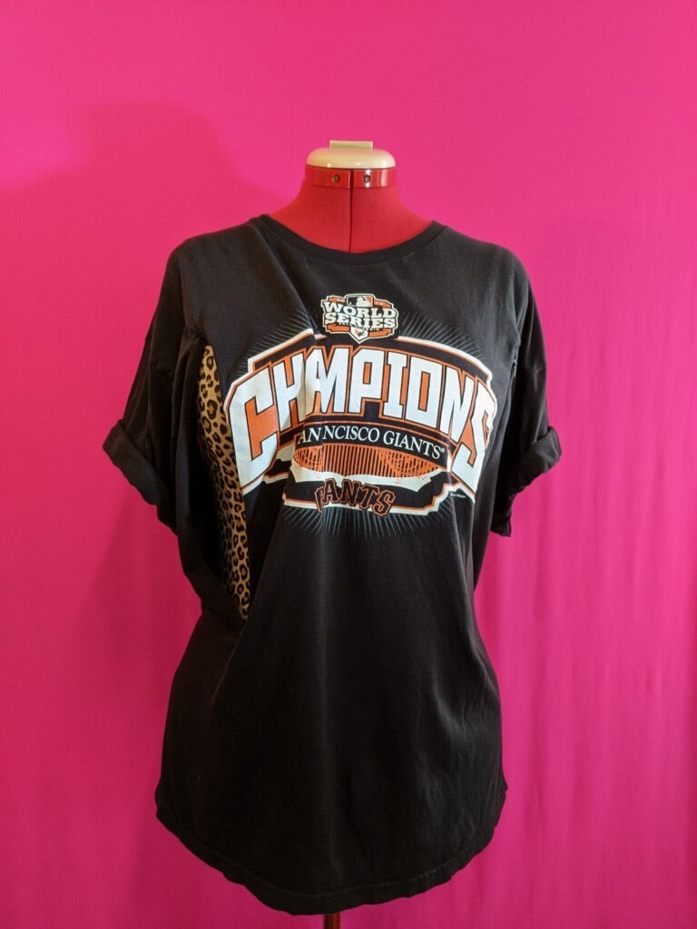 SF Giants World Series Breastfeeding Shirt (XL)