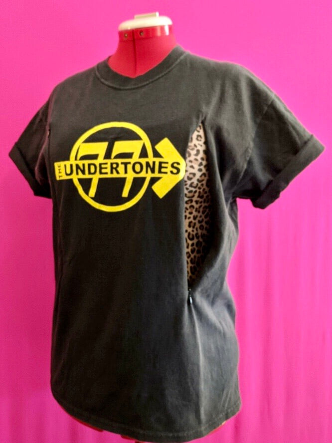 Undertones Breastfeeding Shirt (L)