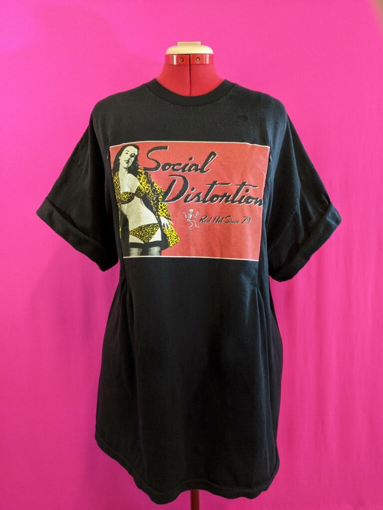 Social Distortion Breastfeeding Shirt (XXL)
