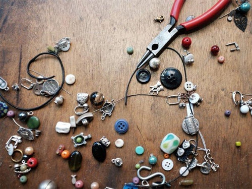 Jewelry Making I (age 10-14) in-studio (Saturdays, Oct 31-Dec. 12)