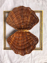 Load image into Gallery viewer, rattan shell clutch