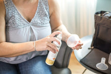 Load image into Gallery viewer, Medela Quick Clean Breast Pump & Accessory Sanitizer Spray