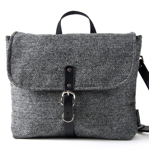 MUNRO MESSENGER BAG CLASSIC GREY HERRINGBONE