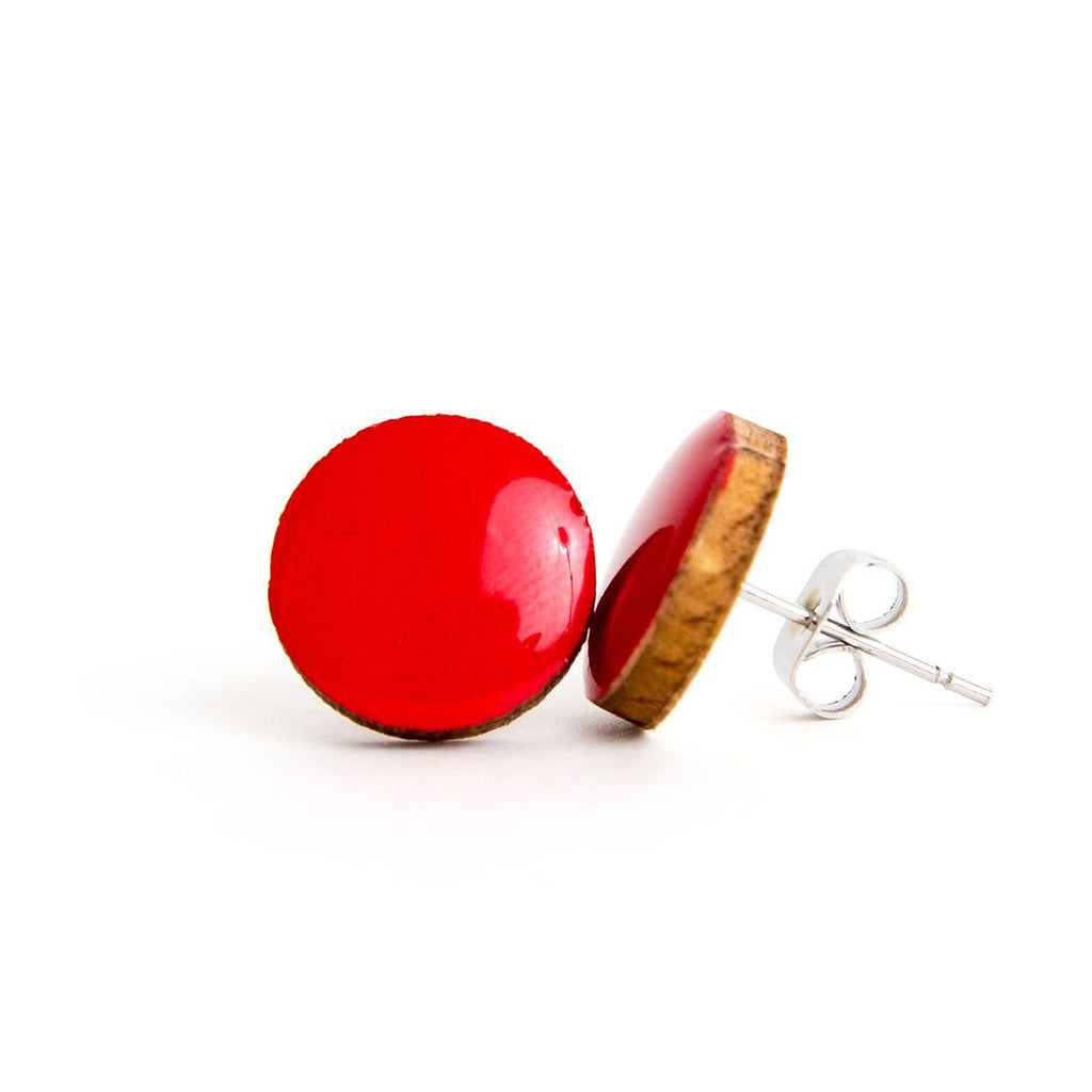 RED-Y OR NOT • Resin + Wood Studs