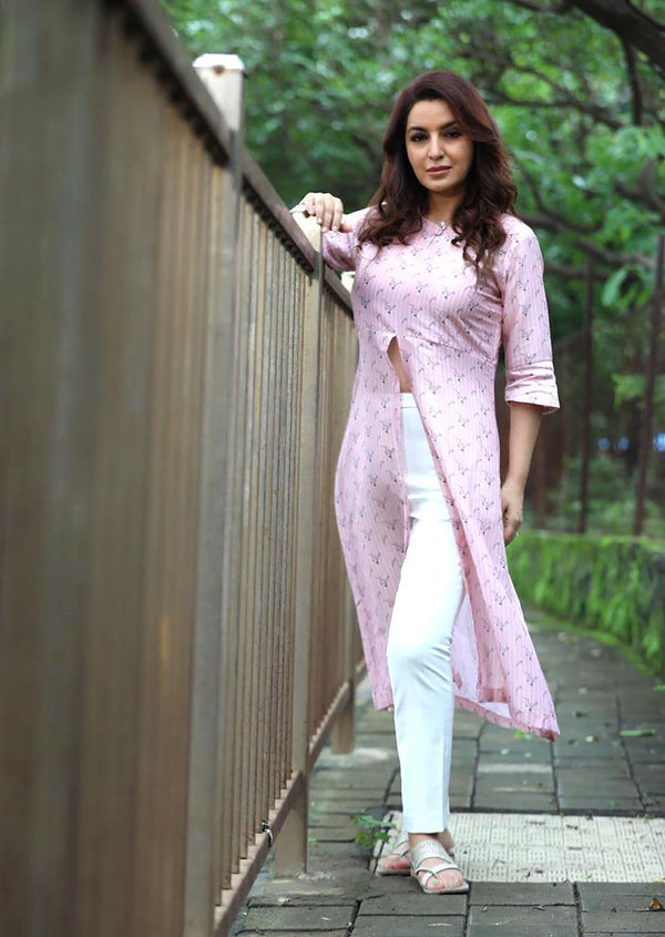 Tisca Chopra in Rose Pink Front Slit Kurta | Buy Online at Alokik