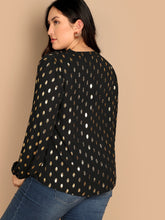 Load image into Gallery viewer, Plus V Neck Polka-dot Print Top
