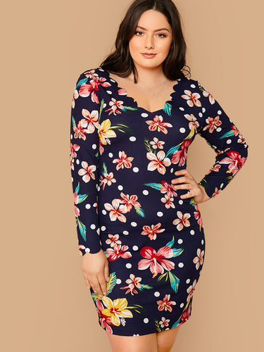 Plus Scallop Trim Floral Print Fitted Dress