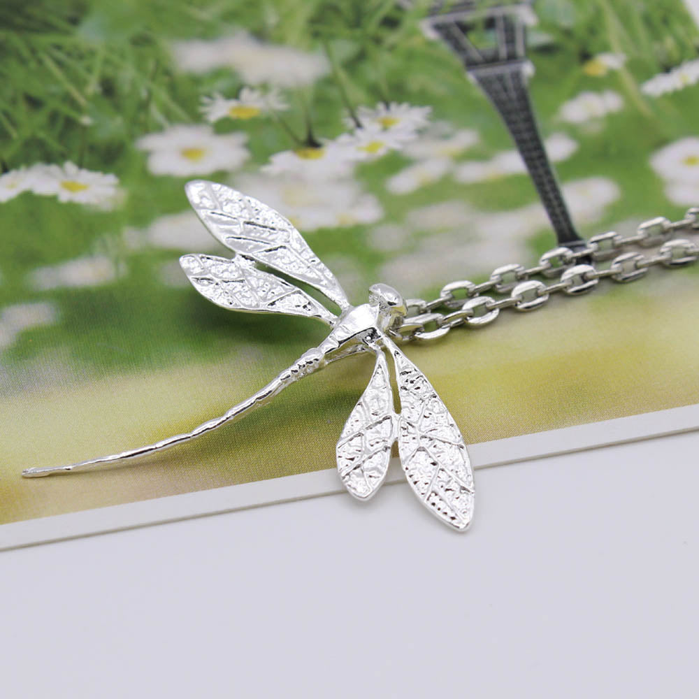 Little Lifelike Dragonfly Pendant Women Daily Sweater Necklace
