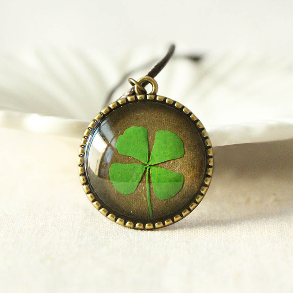 Vintage Green Dried Four Leaf Clover Glass Gem With Behind Life Tree Circular Pendant Necklace