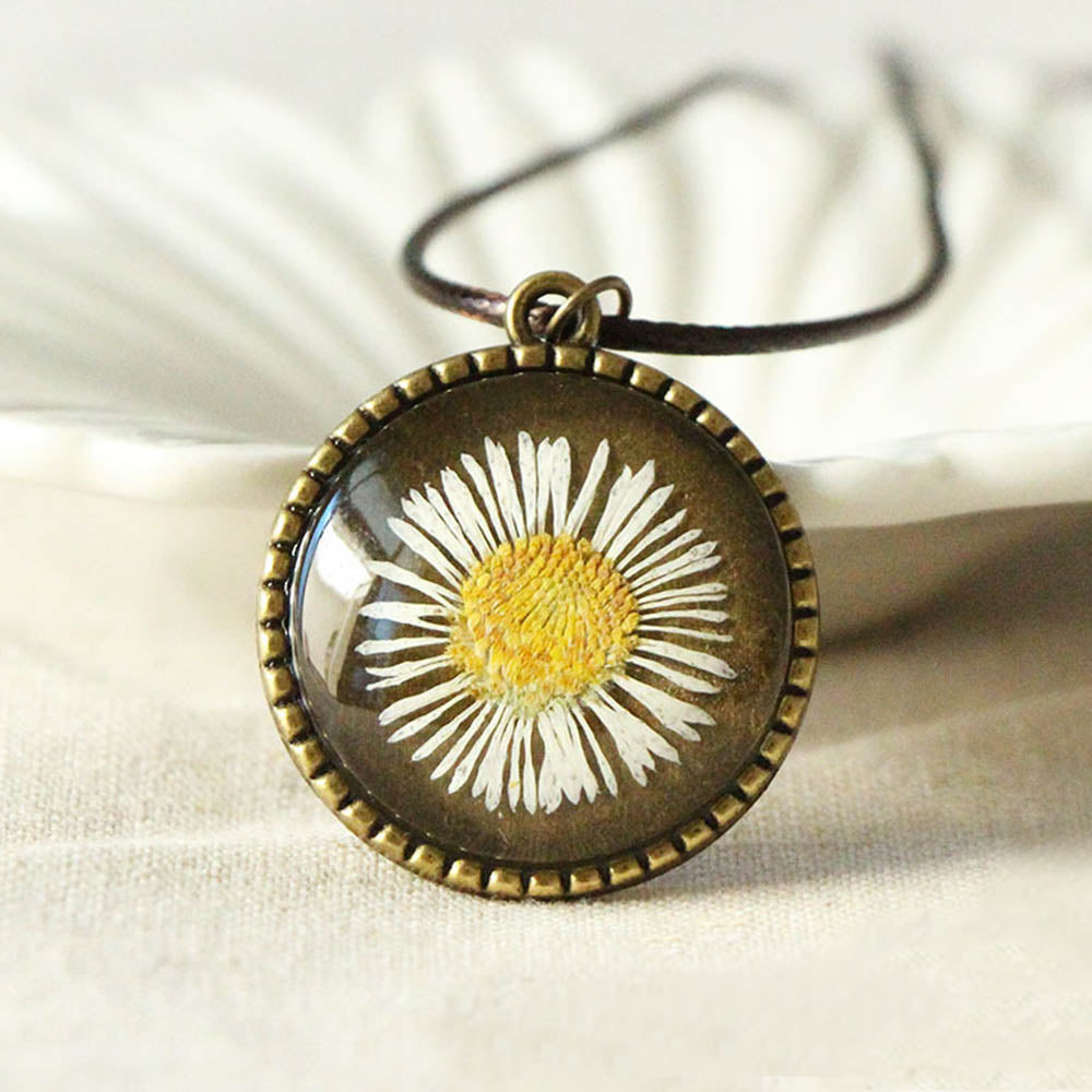 Dried Daisy With Behind Life Tree Glass Gem Vintage Necklace