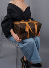 Load image into Gallery viewer, Vintage Louis Vuitton Duffle Handbag