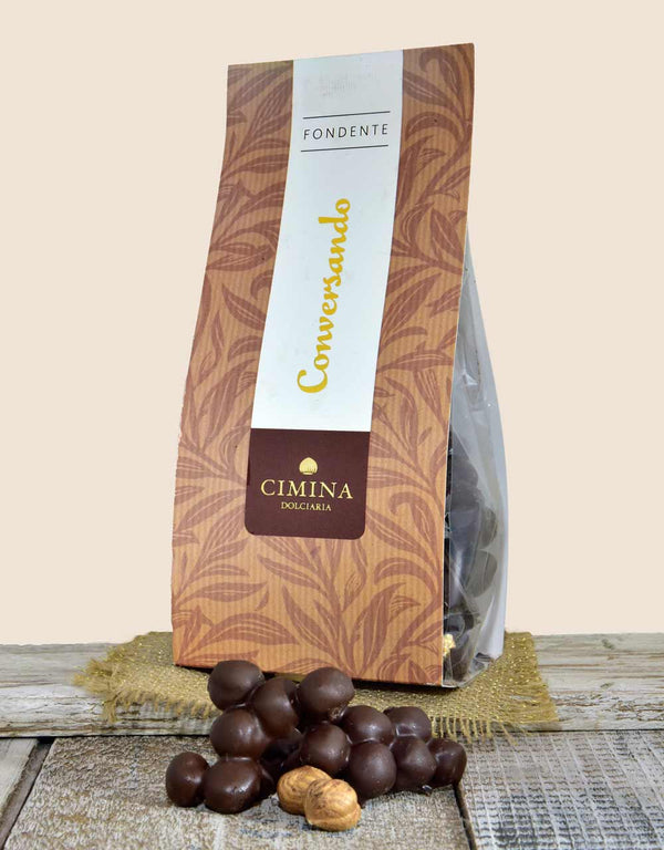 HAZELNUT COVERED WITH DARK CHOCOLATE - TONDA GENTILE ROMANA VARIETY