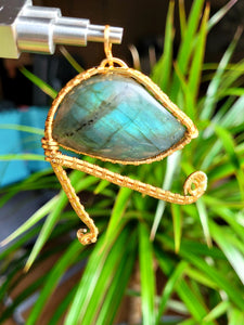 Labradorite Eye of Ra