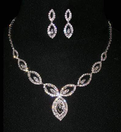 Necklaces - Midsize #15568 - Peacock Tail Necklace and Earring Set