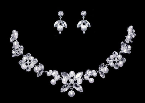 Necklaces - Midsize #17124 Crystal Diamond Shape Necklace and Earring Set