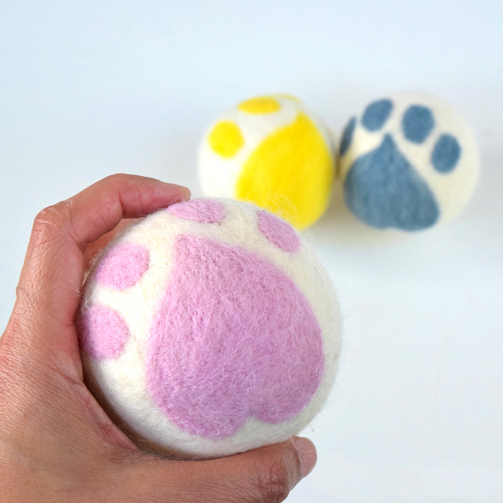 Felt Cat Paw Balls - Tara Treasures