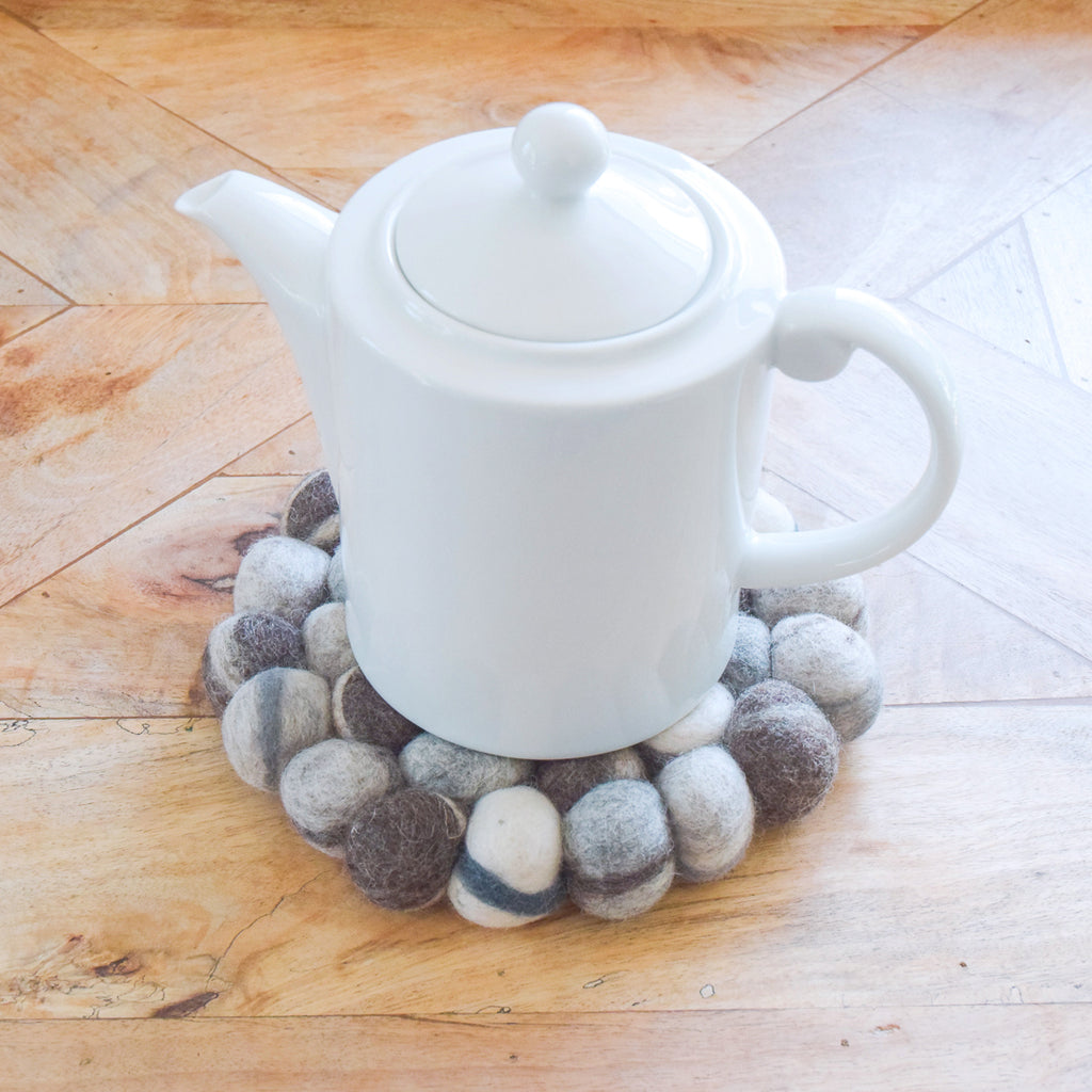 Teapot Trivet - River Pebbles 22cm - Tara Treasures