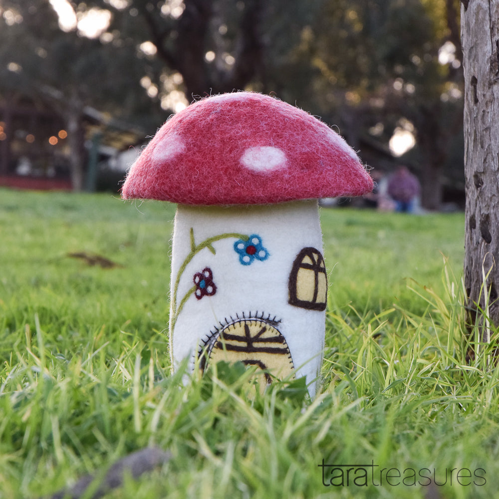 Fairies and Gnomes House - Red Mushroom (Toadstool) - Tara Treasures