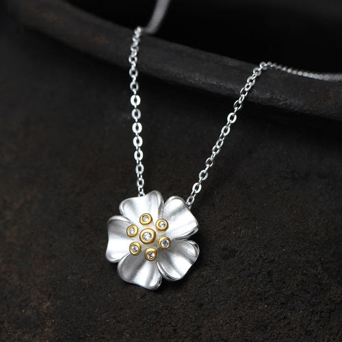 Lovely Sterling Silver Necklace With Flower Pendant