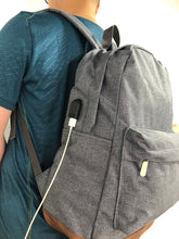 Load image into Gallery viewer, Large Water-resistant School Backpack