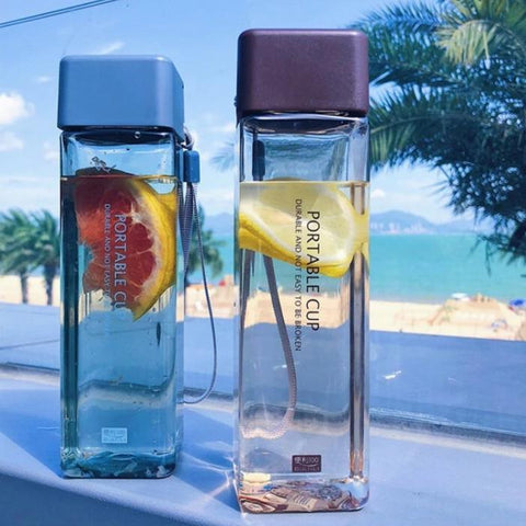 Fashionable Square Water Bottle - LaViemate