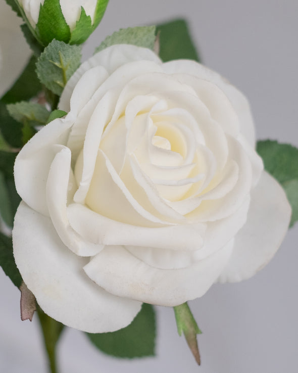 REAL TOUCH ROSE SPRAY X3 WHITE 42CM - 6566WH