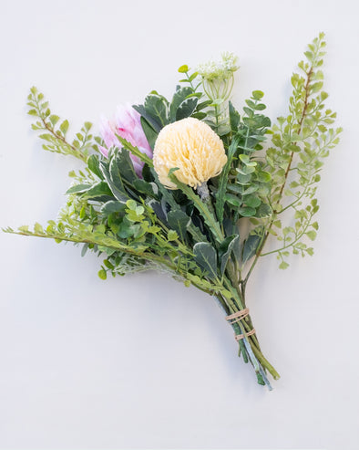 B07 PROTEA/RDN PROTEA/FERN/ANETH/EUC/PEPP BOUQUET 40CM - B07 (Box of 2)