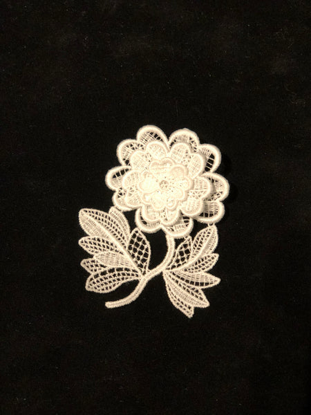 Flower brooch - White