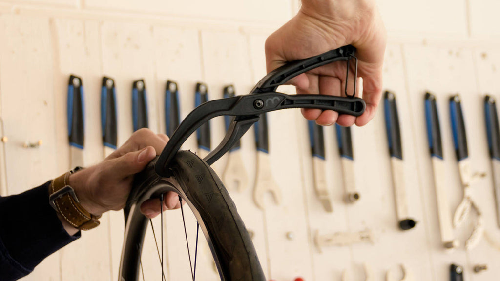 Bicycle tire seating tool from BBB, BTL-78