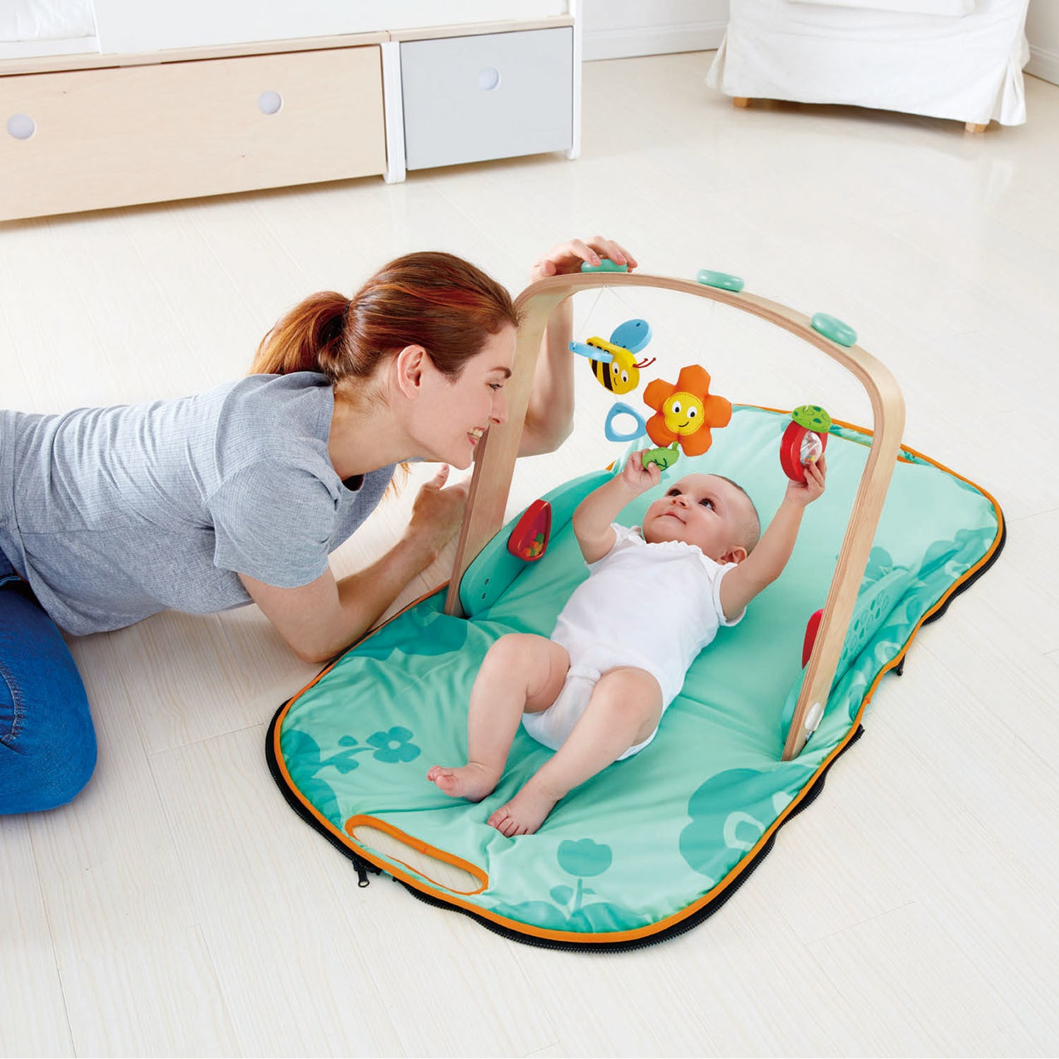 Hape: Portable Baby Gym