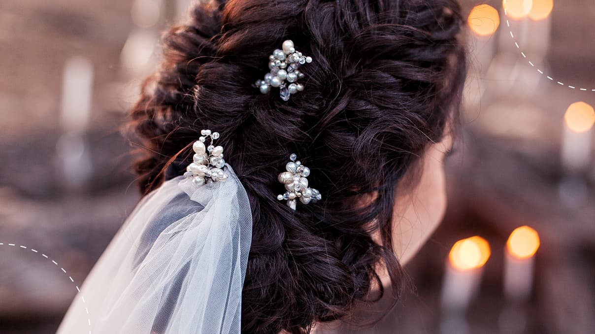 clips with pearls for bridal hairstyling