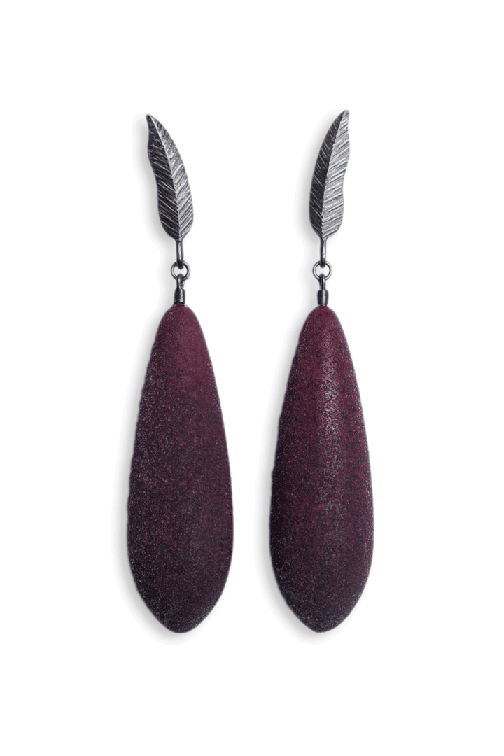 Diana Arno - DIANA ARNO X TANEL VEENRE SILVER FEATHER EARRINGS WITH EARBERRIES.