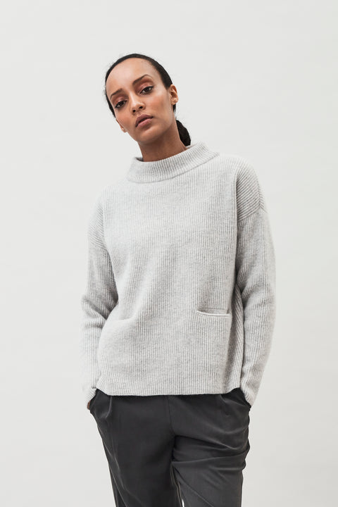HELGA - KNITTED SWEATER WITH POCKETS
