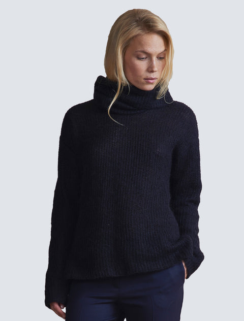 Peppi Pullover Black