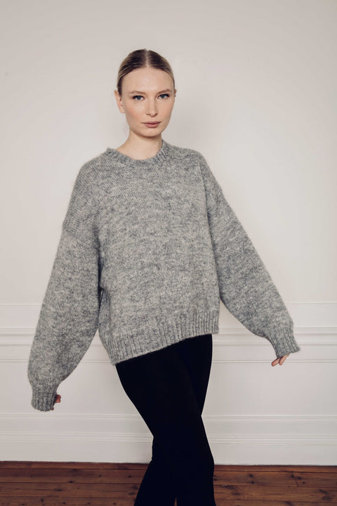 IRE KNITTED SWEATER