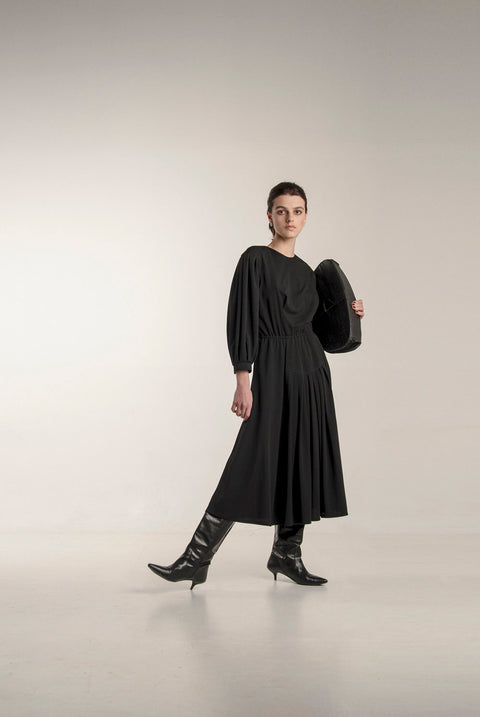 BLACK MINIMALIST DRESS