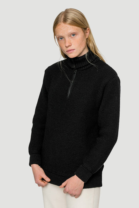 'Basic' Merino-Knitted Troyer in Black