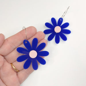 LARGE DAISY HOOPS // 3 COLOURS AVAILABLE