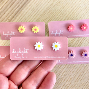 FLOWER POWER STUD MINI // 6 COLOURS AVAILABLE