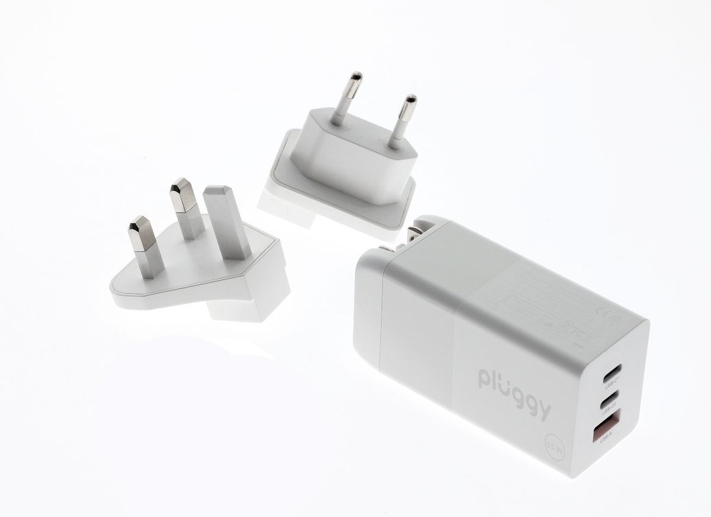 Pluggy 65 W Ultra Fast Charger