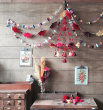 Load image into Gallery viewer, Parcel Stitched Teardrop Garland