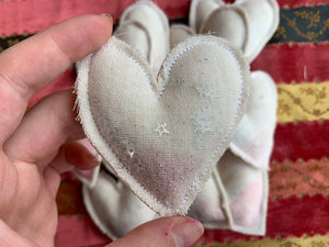 Single Confetti Heart Gift Enclosure