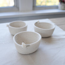 Load image into Gallery viewer, Small Cotton Rope Storage Bowl