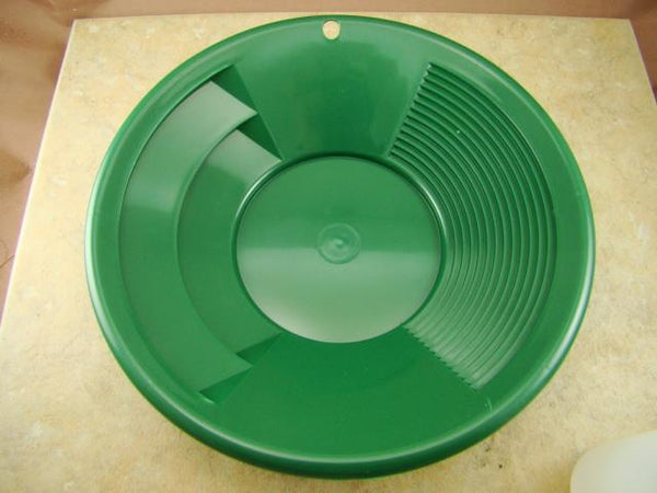 "Lot of 25 - 8"" Green Gold Pans w/ Bottle Snuffer-Panning Kit-Prospecting-Mining"